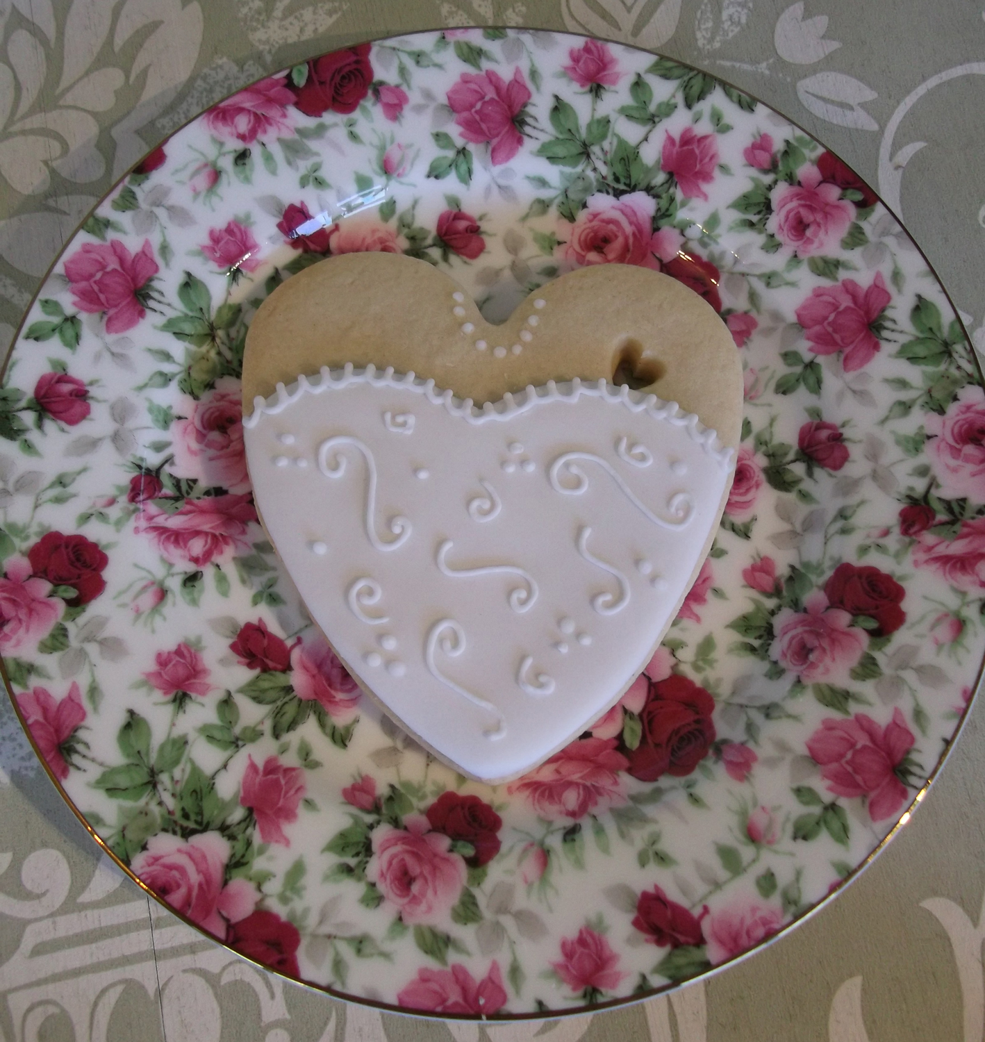 heart-dress-cookie