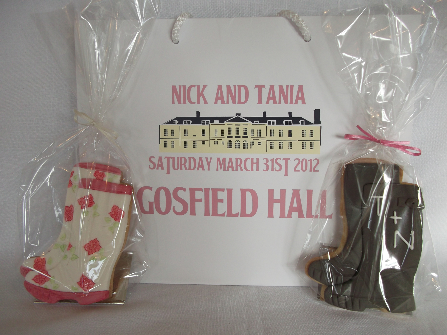 wedding-cookie-wellie-boots