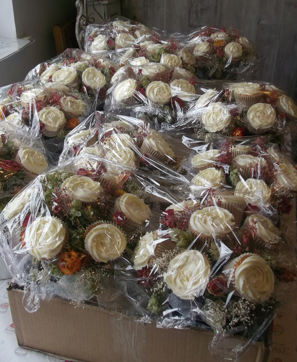 Wedding-Cupcake-Bouquets